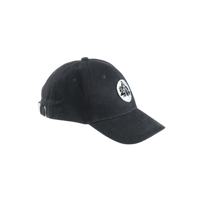 Black embroidered cap with bricklayer's logo